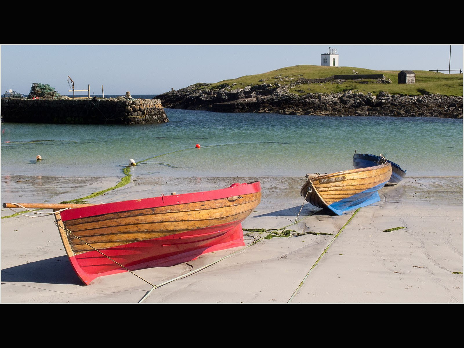 P8043044 wooden boats scarinish harbour
