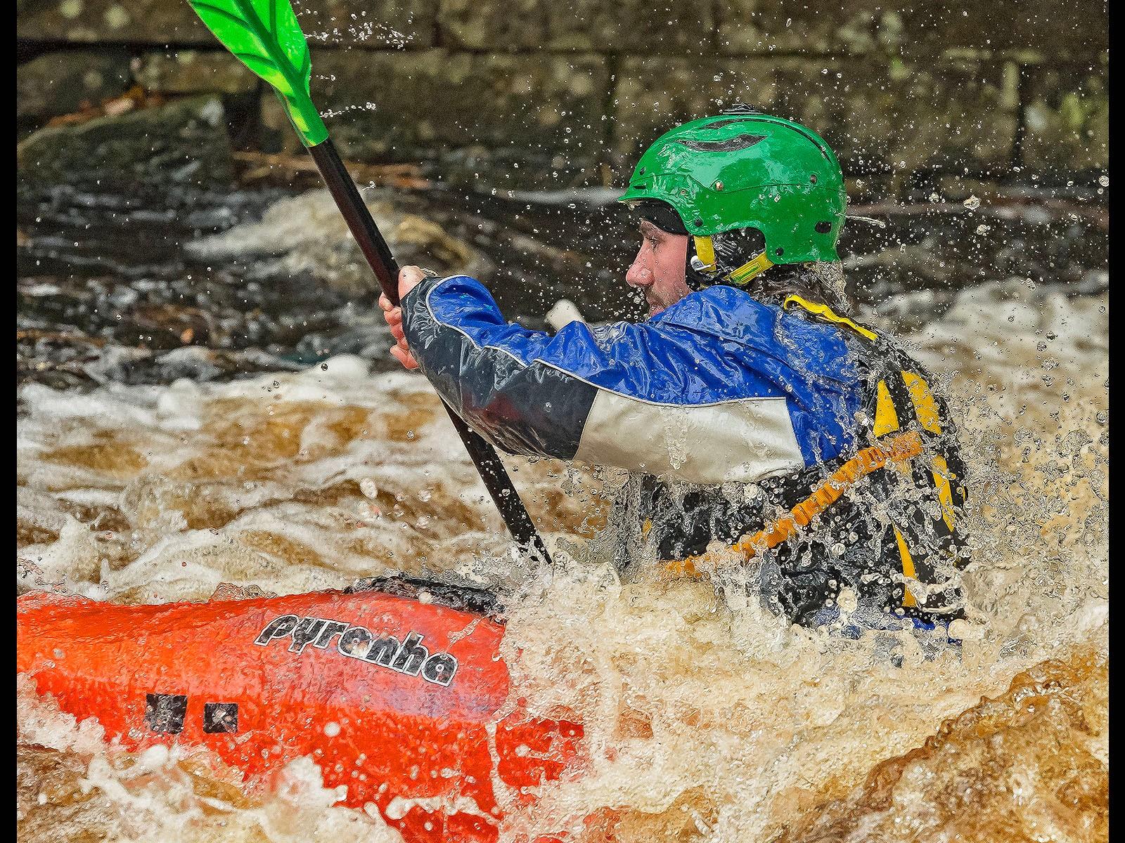2.Kayak action