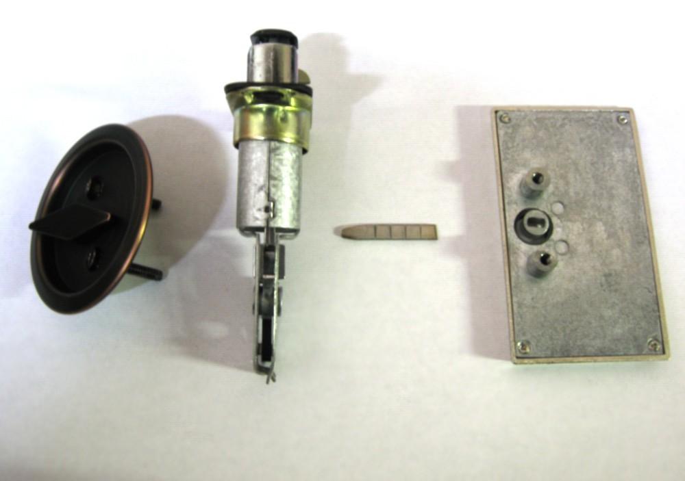 pocket door indicator lock assembly