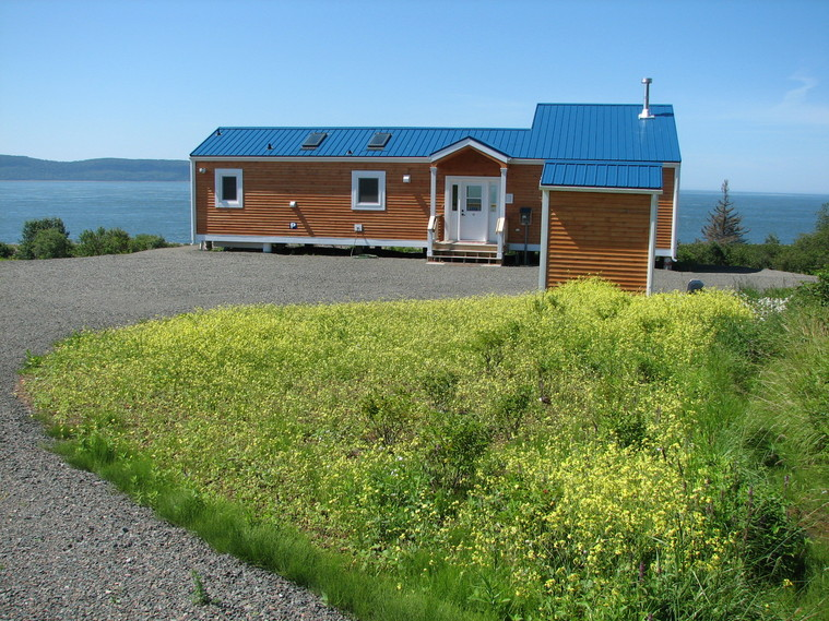 Kahuna Cottage Accommodations in Parrsboro, Nova Scotia, Bay of fundy
