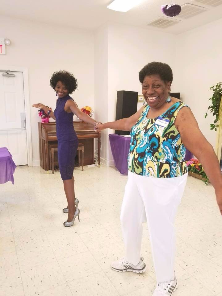 Ann & Mama Dancing