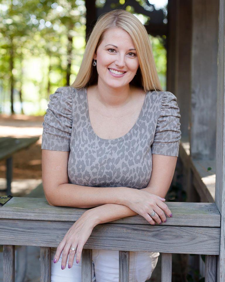 Melissa Lentz James, marketing copywriter, copy editor and graphic designer in Virginia