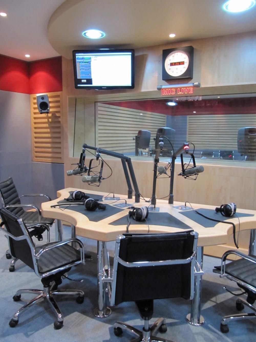 radio-studio-2-w1000-o